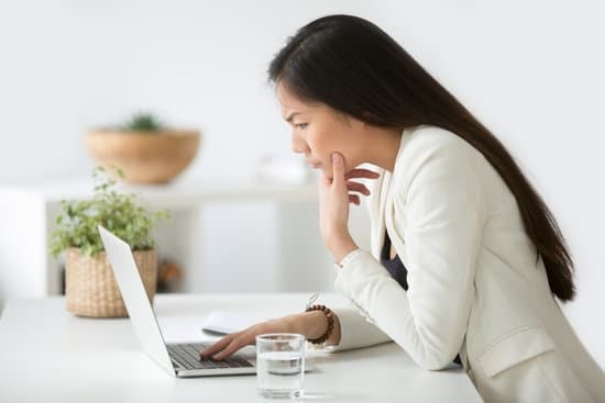 Mortgage Loan Officer working with a very inefficient Mortgage CRM software